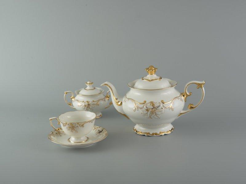 Bộ trà cao cấp Đài Các trang trí hoa 1.3 L