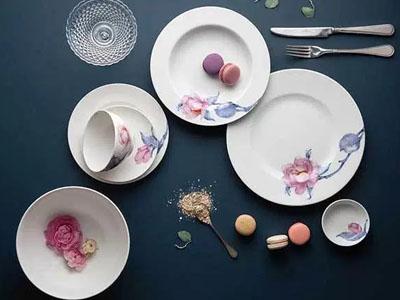 Bộ bàn ăn Trà Mi 14 sản phẩm