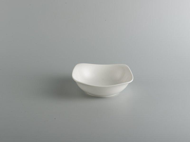 Tô vuông thấp 14 cm Jasmine Ly's trắng ngà