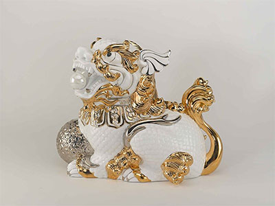 Tượng kỳ Lân Trắng Trang Trí Vàng 29x33x20 (cm)