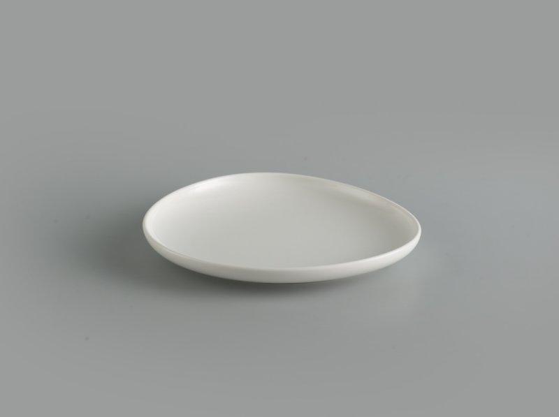 Dĩa tam giác tròn cạn 24 cm Gourmet trắng ngà